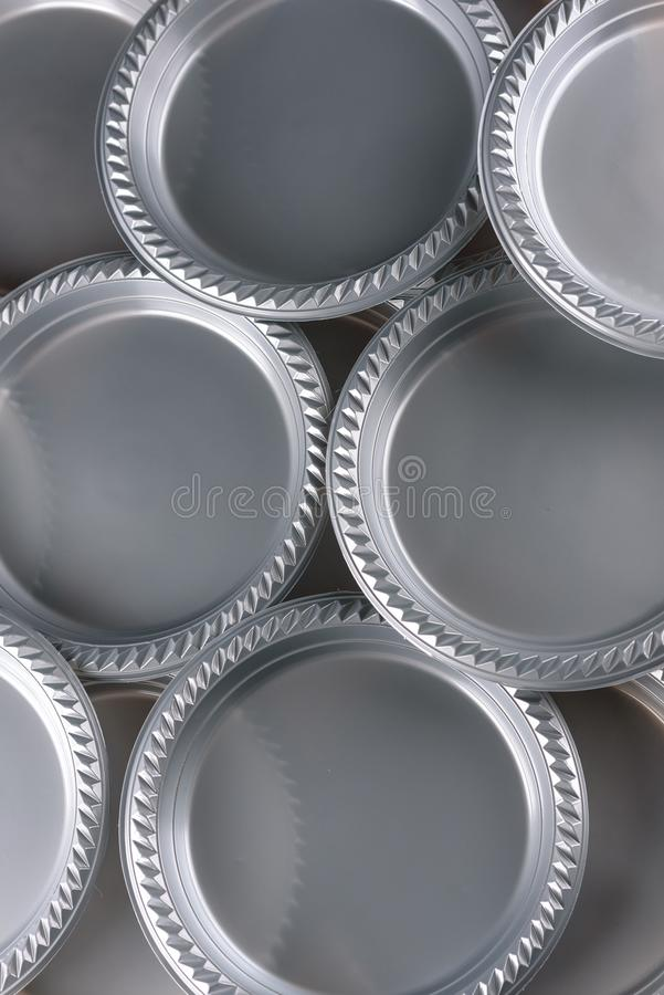 Grey Plastic Party Dinner Plate imagens de stock royalty free