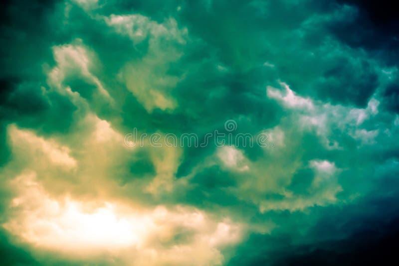 Grey Storm Clouds Filtered minaccioso fotografia stock