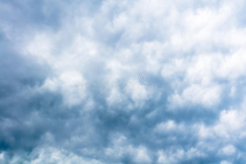 Grey Storm Clouds Filtered minaccioso fotografie stock libere da diritti