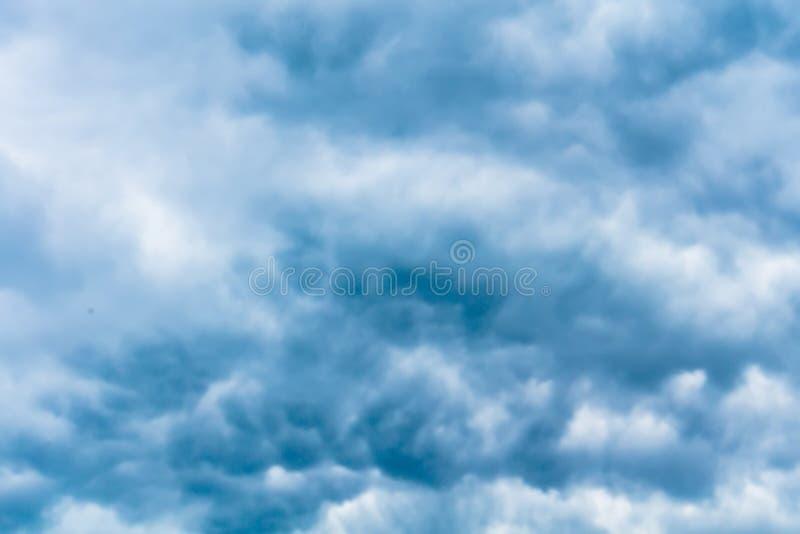 Grey Storm Clouds Filtered minaccioso immagini stock libere da diritti