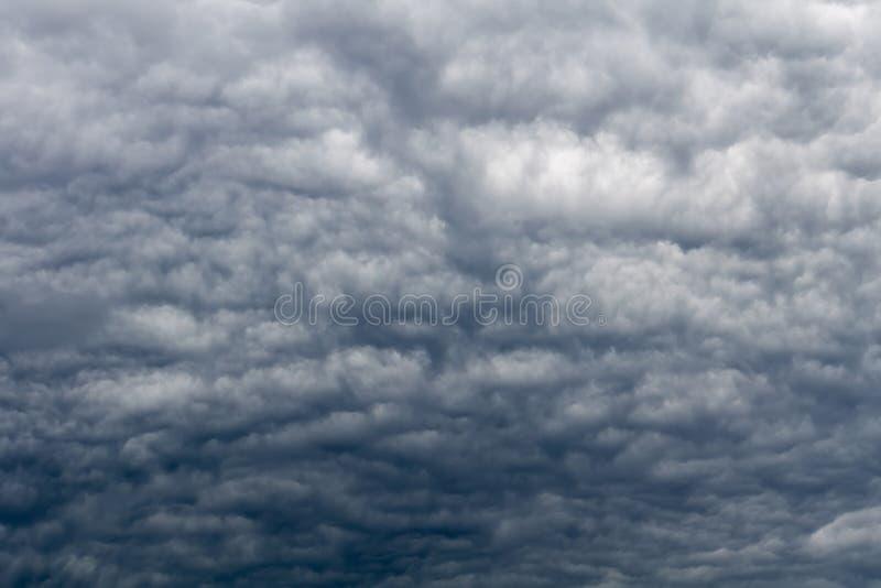 Grey Storm Clouds minaccioso fotografia stock