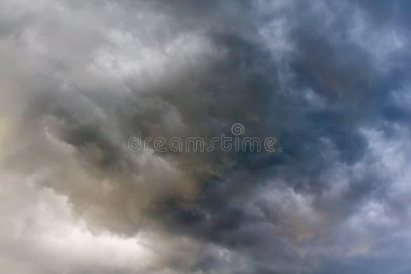 Grey Storm Clouds minaccioso fotografia stock libera da diritti