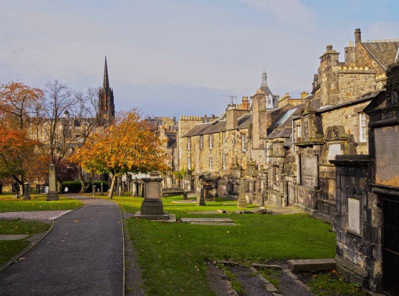 Greyfriars Kirkyard i Edinburg royaltyfria foton