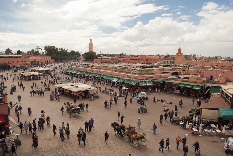 Het Vierkant van Grfna van Djemma in Marrakech (Marokko) royalty-vrije stock afbeelding