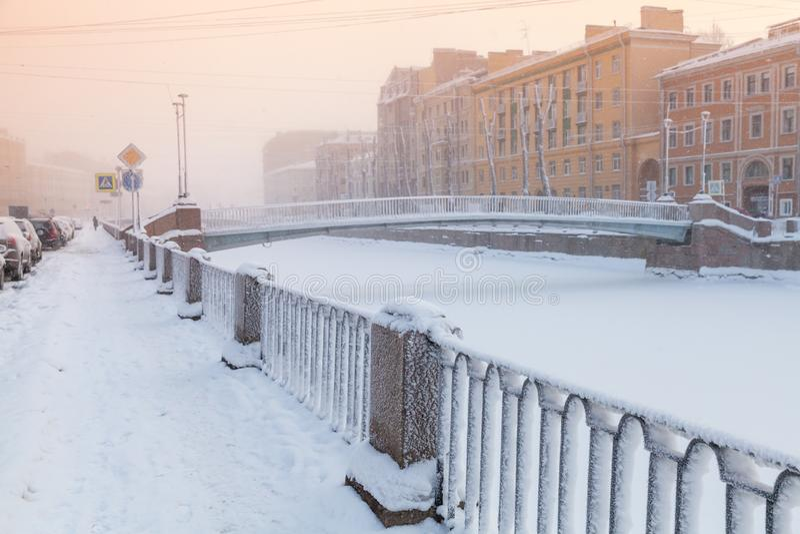 Griboyedov Kanałowy widok przy zima dniem obrazy stock