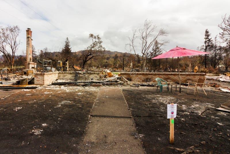 Gridando nel mirino: Un mese dopo Sonoma 2017 Coun immagine stock libera da diritti