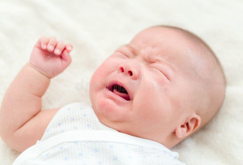 Gridare appena nato del bambino fotografie stock