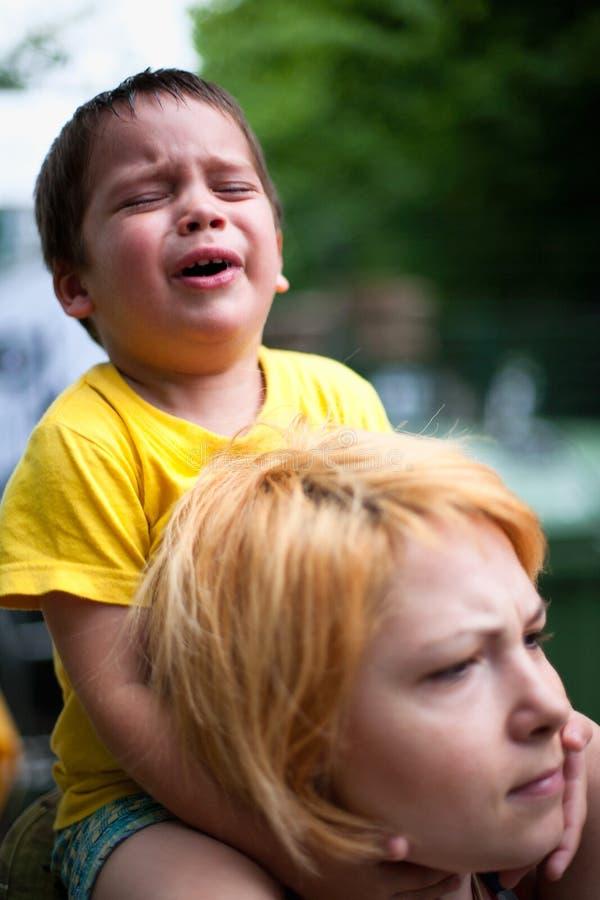 Gridare del bambino triste immagini stock libere da diritti