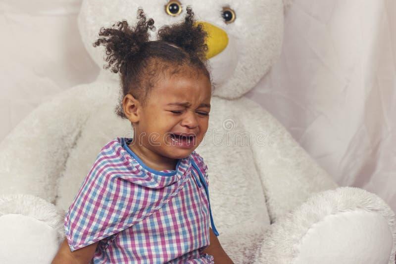 Gridare della bambina immagini stock libere da diritti