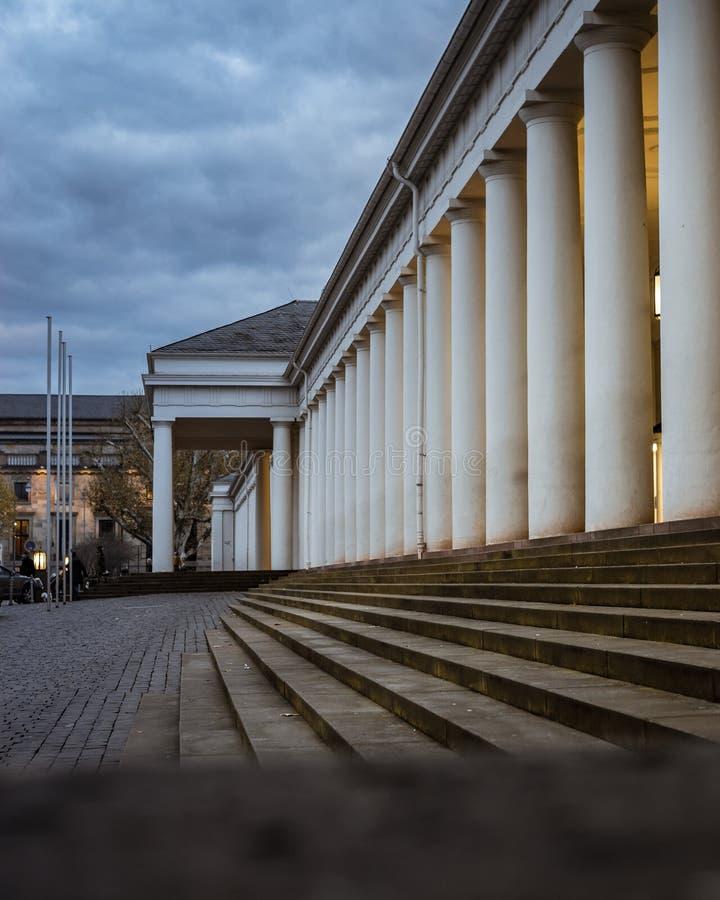 Griechische alte Artspalten und -treppe stockfoto