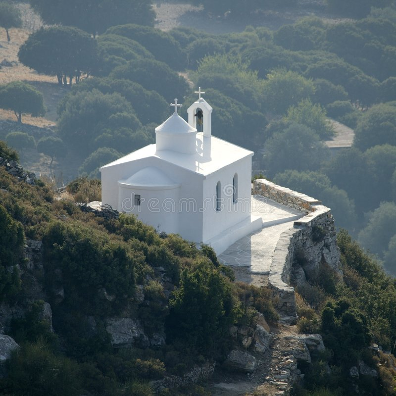 Griechische Dorf-Kirche stockfotografie