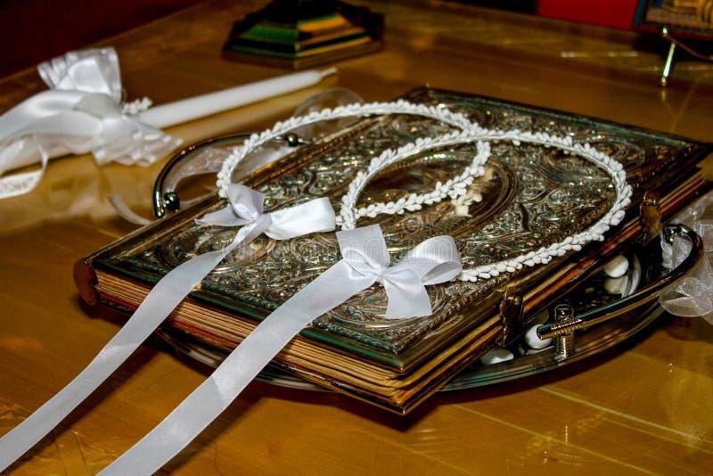 Griechische Hochzeits-Kronen stockfotos