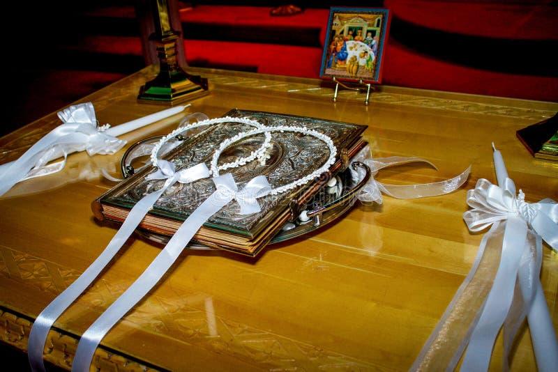 Griechische Hochzeits-Kronen lizenzfreie stockfotografie