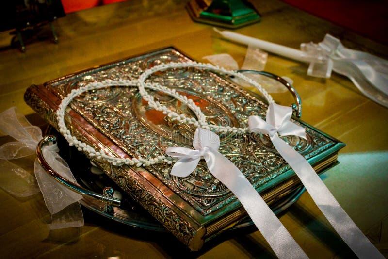 Griechische Hochzeits-Kronen lizenzfreies stockfoto