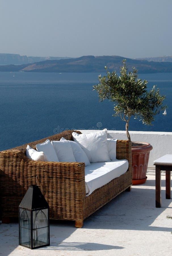 Griechische Inselansicht vom Patio stockfoto
