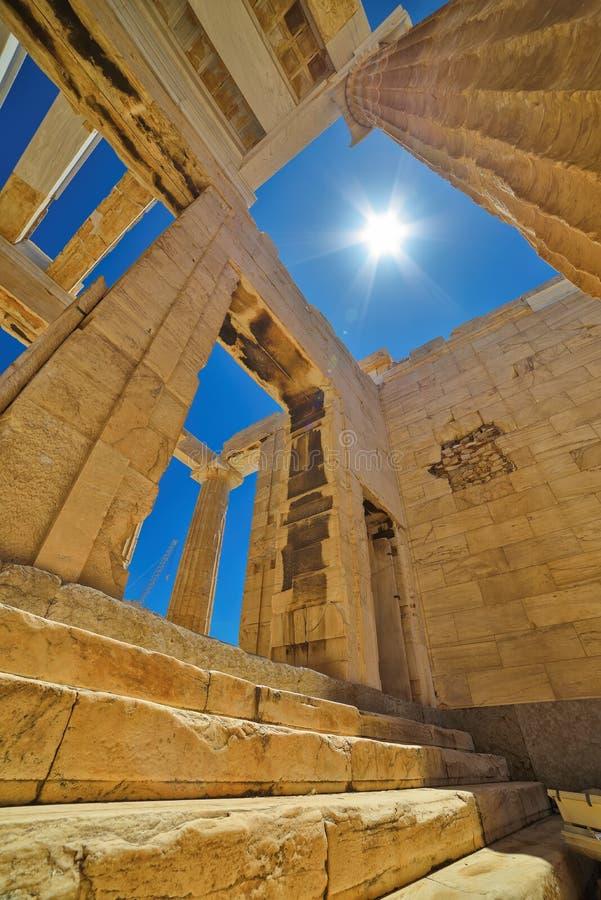 Griechische Ruinen des Parthenons auf der Akropolise in Athen, Griechenland lizenzfreies stockbild