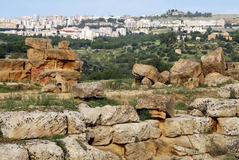 Download Griechische Tempelruinen stockbild. Bild von architektur - 12201671