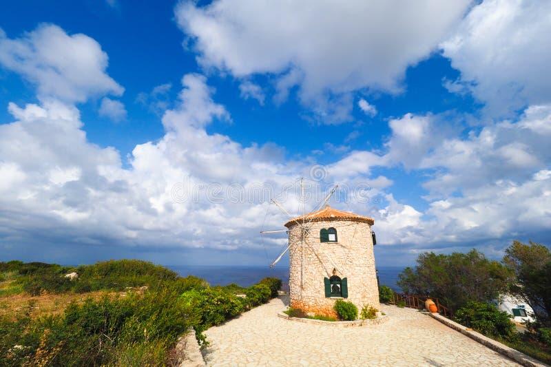 Griechische traditionelle Windmühle auf der Insel von Zakynthos, bei Keri C stockfotos