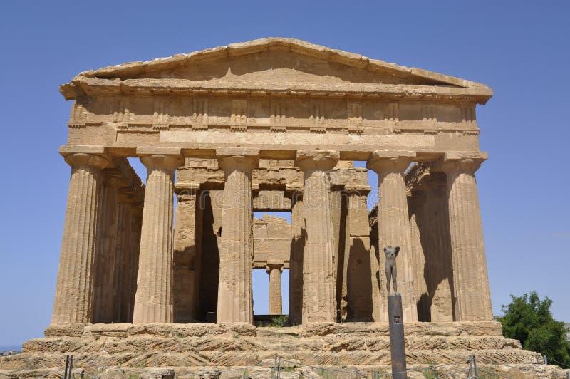 Griechischer Tempel in Sizilien. Italien. lizenzfreies stockbild