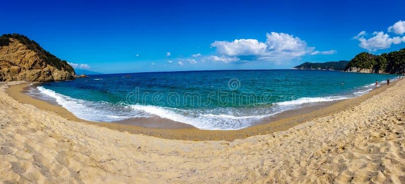 Griechisches Strand-Panorama stockbild