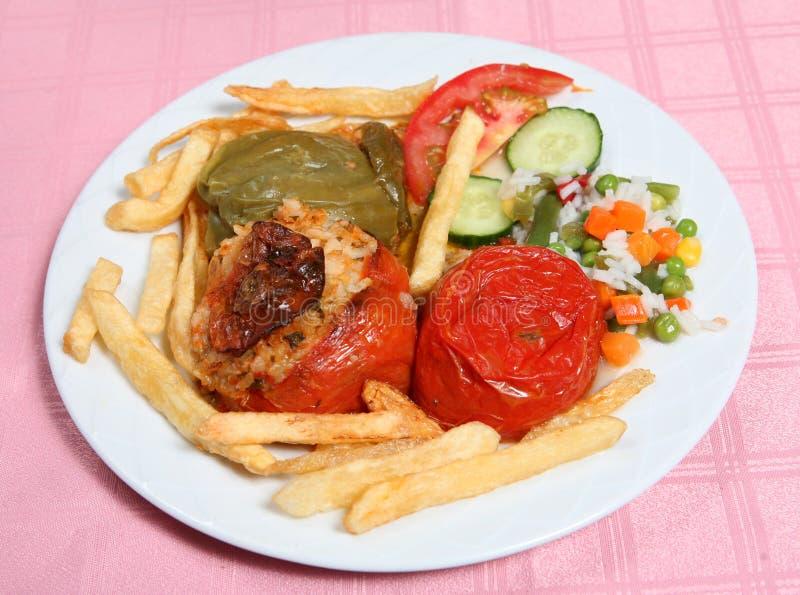 Griechisches taverna angefülltes Gemüse gemista lizenzfreies stockbild
