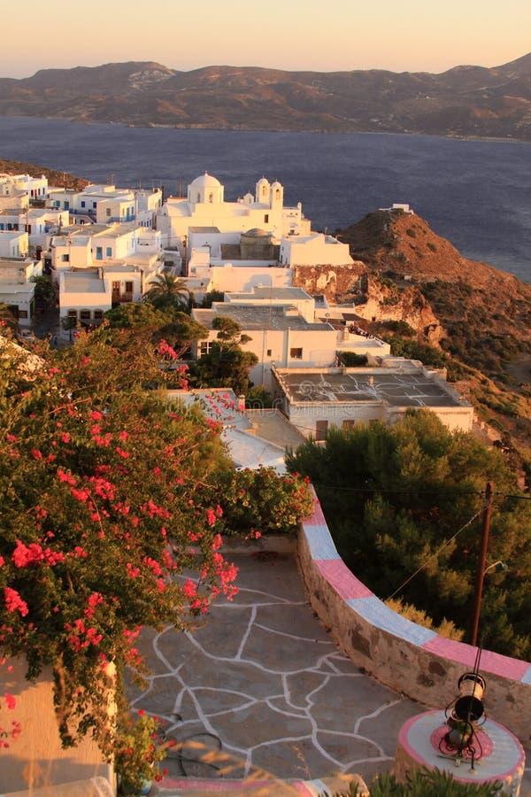 Grieks dorp met kerklandschap op Milos-eiland 01 stock afbeeldingen