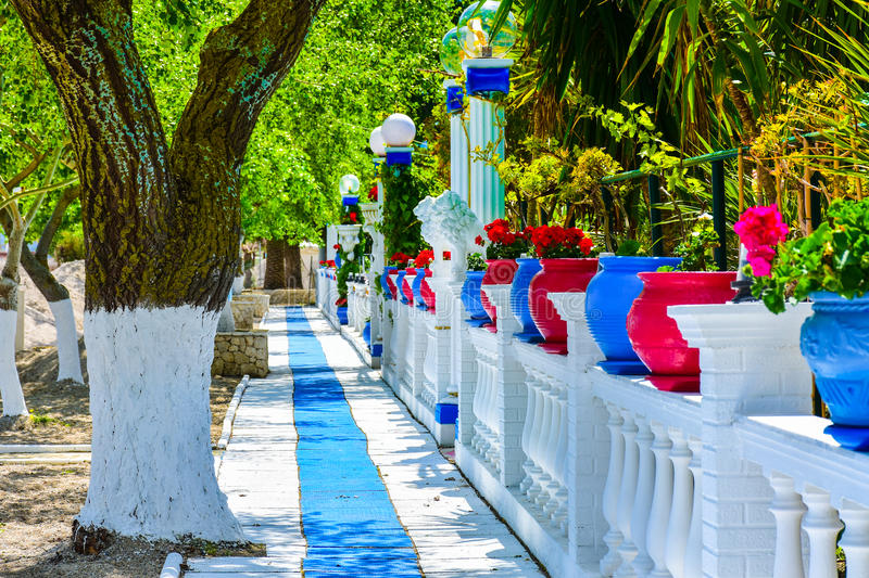 Grieks strand op het Eiland Korfu in het Middellandse-Zeegebied royalty-vrije stock fotografie