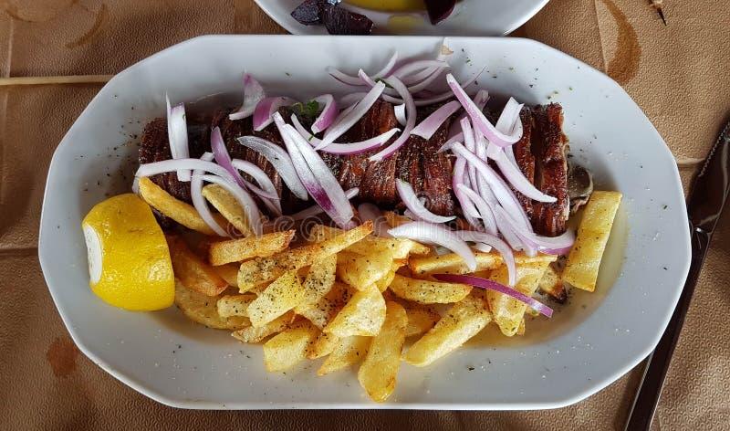 Grieks tranditionalvoedsel van het kokoretsivlees stock foto's