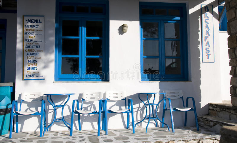 Griekse Cycladen van de de koffiewinkel van de eilandkoffie architectuur stock afbeelding