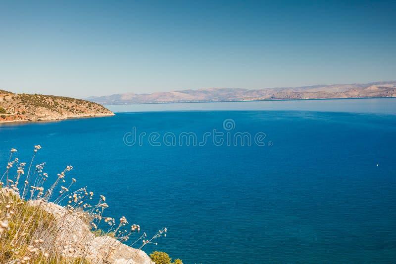 Griekse overzeese kustlijn, zeegezicht stock afbeelding