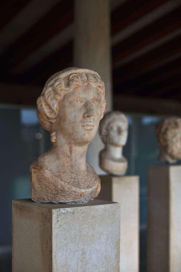 Griekse standbeelden in museum van Akropolis in Athene, Griekenland royalty-vrije stock foto's
