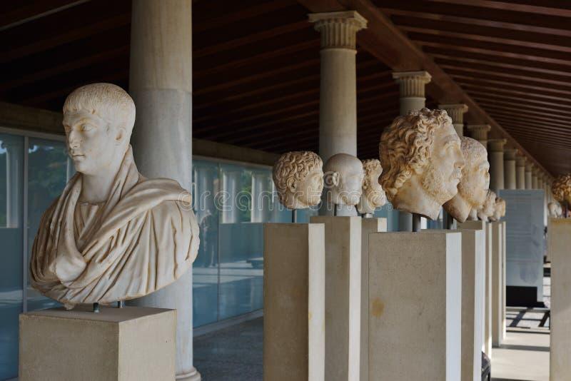 Griekse standbeelden in museum van Akropolis in Athene, Griekenland stock afbeelding