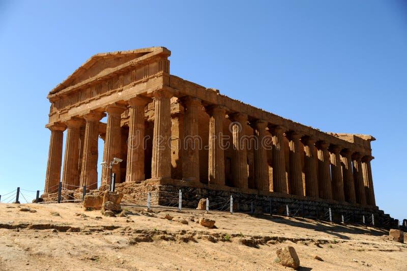 Griekse tempel in Sicilië stock afbeeldingen