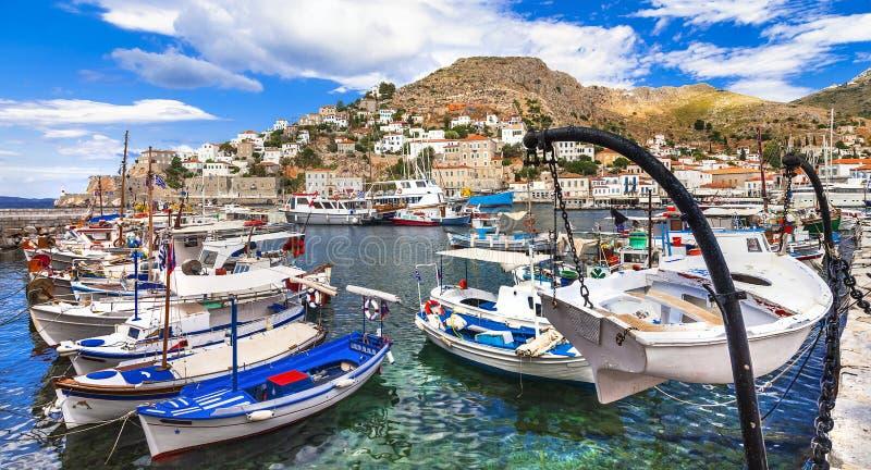 Griekse vakantie - schilderhaven van Hydra-eiland royalty-vrije stock foto