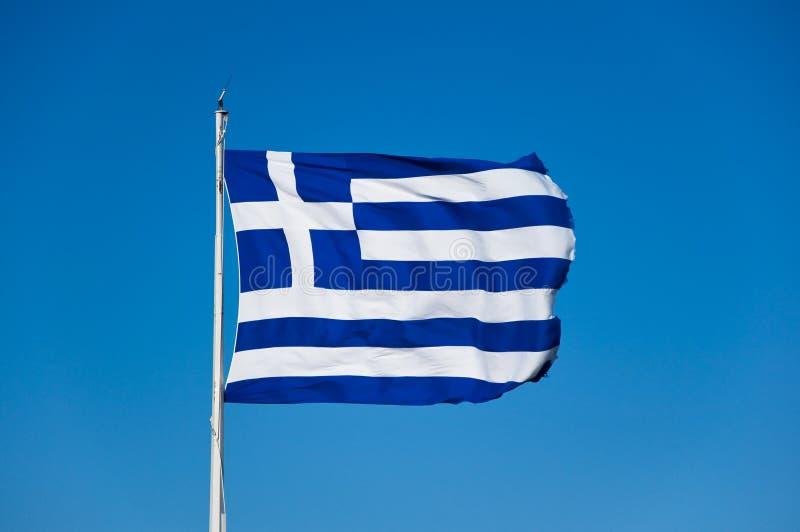 griekse vlag op akropolis athene griekenland stock