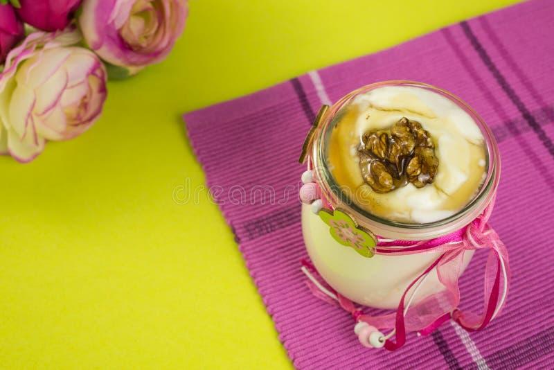 Griekse yoghurt royalty-vrije stock afbeelding