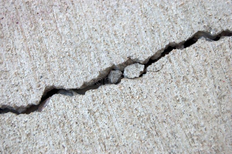 Grieta del cemento foto de archivo