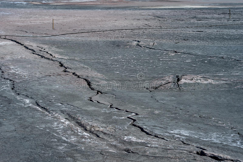 Grietas en la superficie de la tierra seca fotografía de archivo