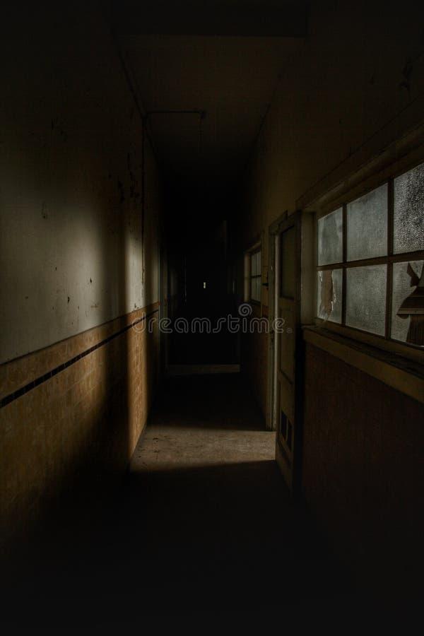Griezelige zaal in een spookhuis stock fotografie