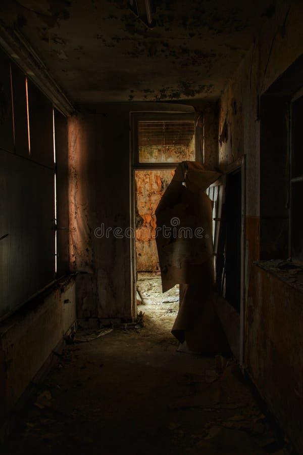 Griezelige zaal in een spookhuis royalty-vrije stock afbeeldingen