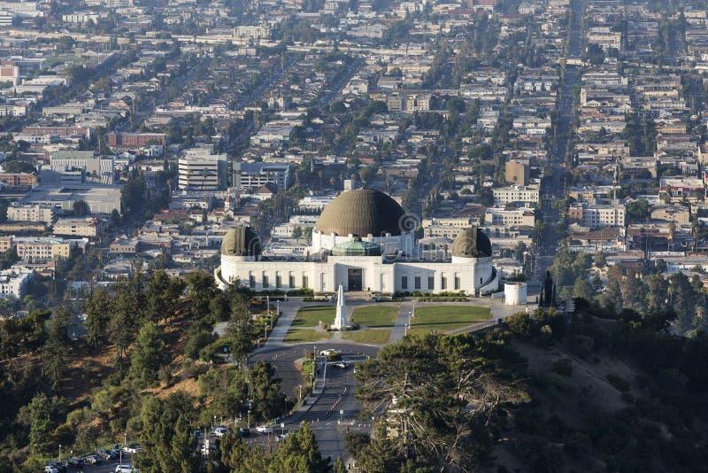 Griffith Observatory Above Urban Los Angeles fotografia stock libera da diritti