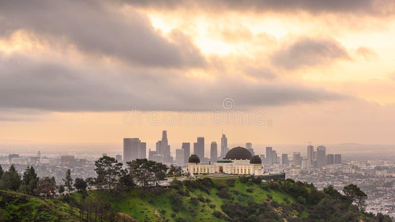 Griffith Observatory e Los Angeles ad alba fotografia stock