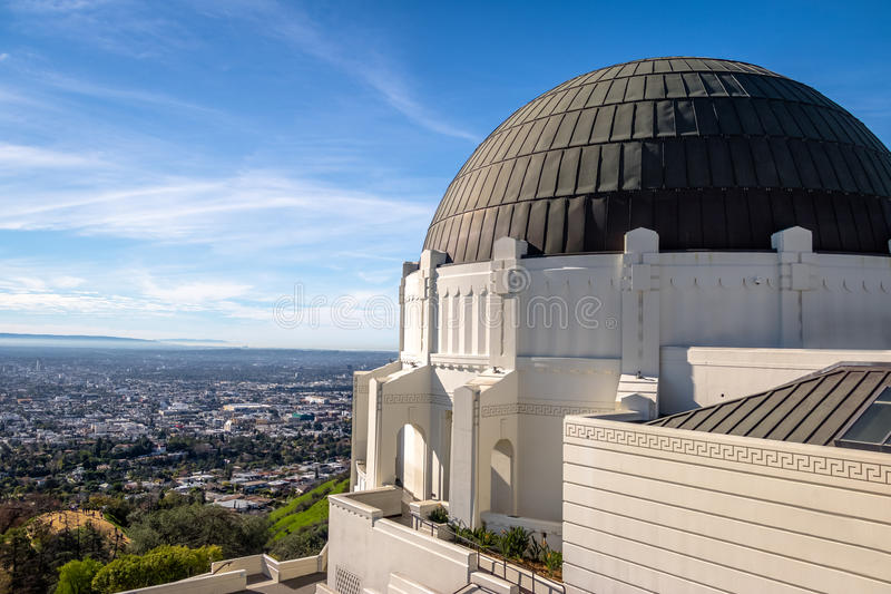 Griffith Observatory och stadshorisont - Los Angeles, Kalifornien, royaltyfri bild