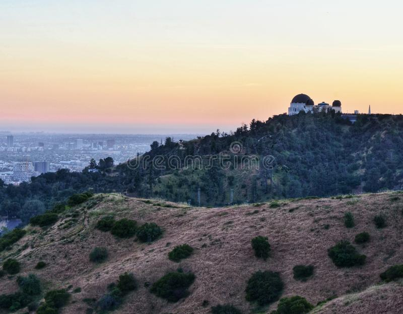 Griffith Park Observatory al crepuscolo fotografia stock libera da diritti