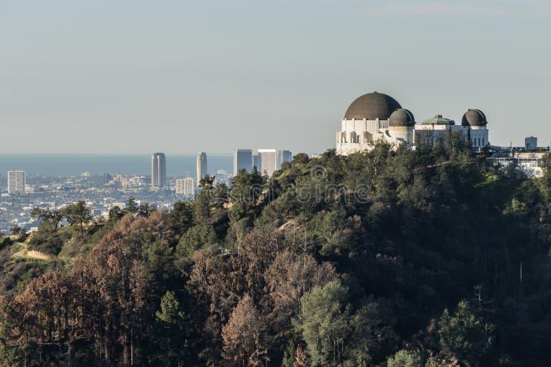 Griffith Park Observatory e città di secolo fotografia stock libera da diritti