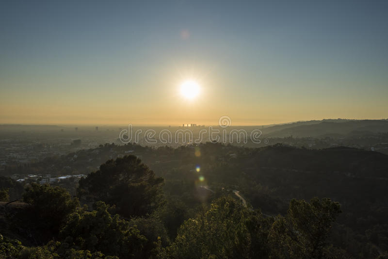 Griffith Park Trails e cidade do século no por do sol fotografia de stock