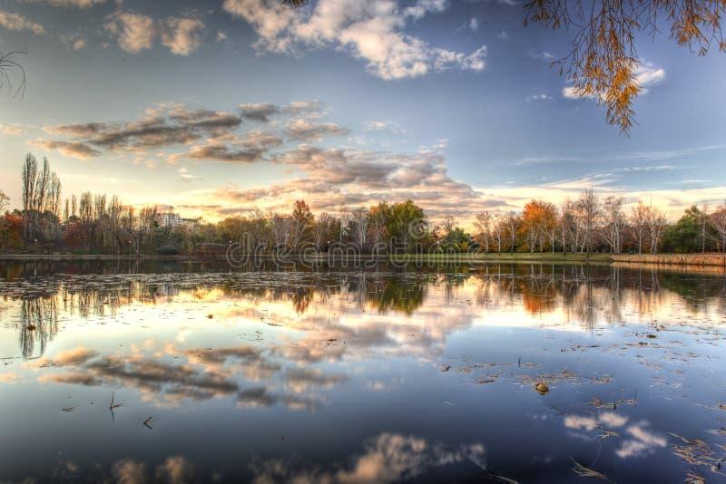 Griffon de Burley de lac à Canberra, territoire australien de capitol l'australie photo stock