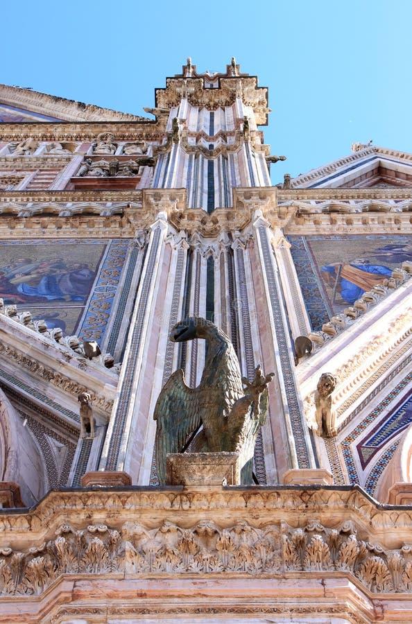 Griffon en bronze à la cathédrale d'Orvieto, Italie photographie stock