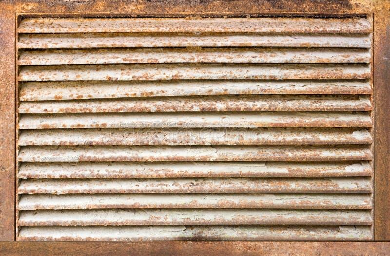 Griglia arrugginita del ventilaton fotografia stock libera da diritti