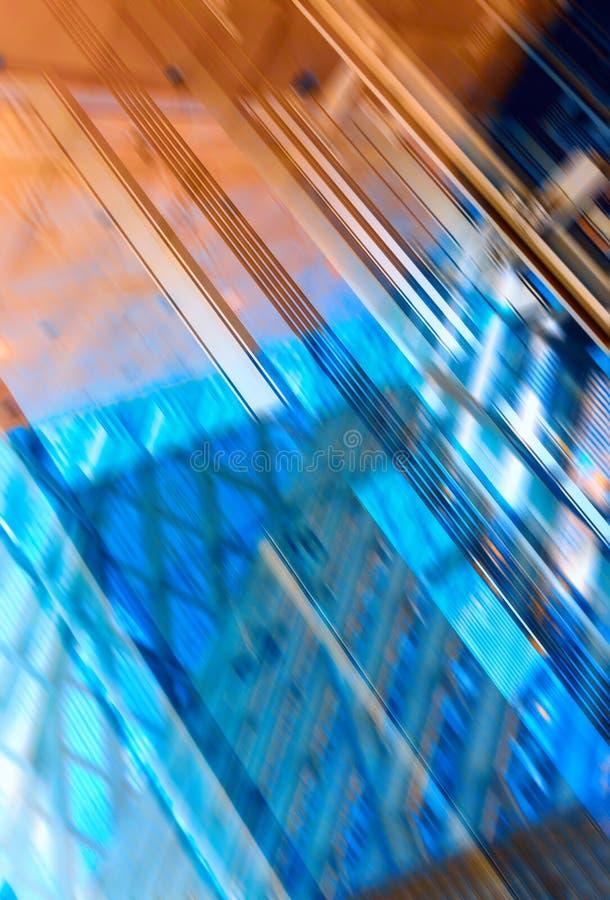 Griglia del metallo e capannone di industriale della finestra fotografie stock